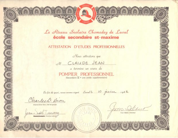 Colour photograph of a yellowing sheet of paper with a brown border, certifying the completion of the firefighting course at Saint-Maxime Secondary School