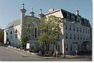 Une photo en couleur du couvent des Sœurs de la Miséricorde, St. John's, T.-N.-L.