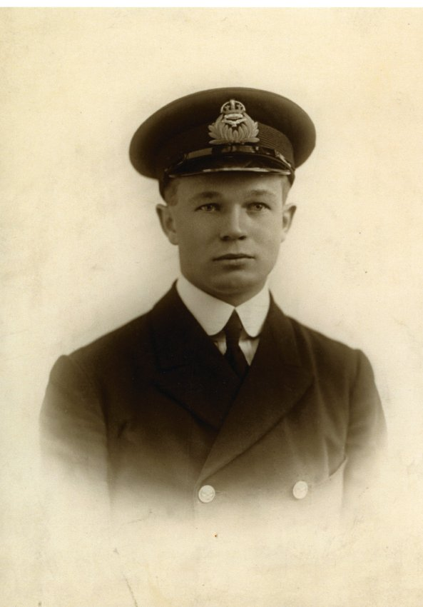 A man wearing the uniform of the British Royal Naval Air Service