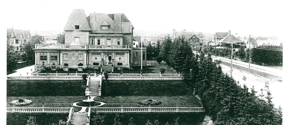 Photo of Beaulieu house and its formal gardens showing its prominent position in the neighbourhood