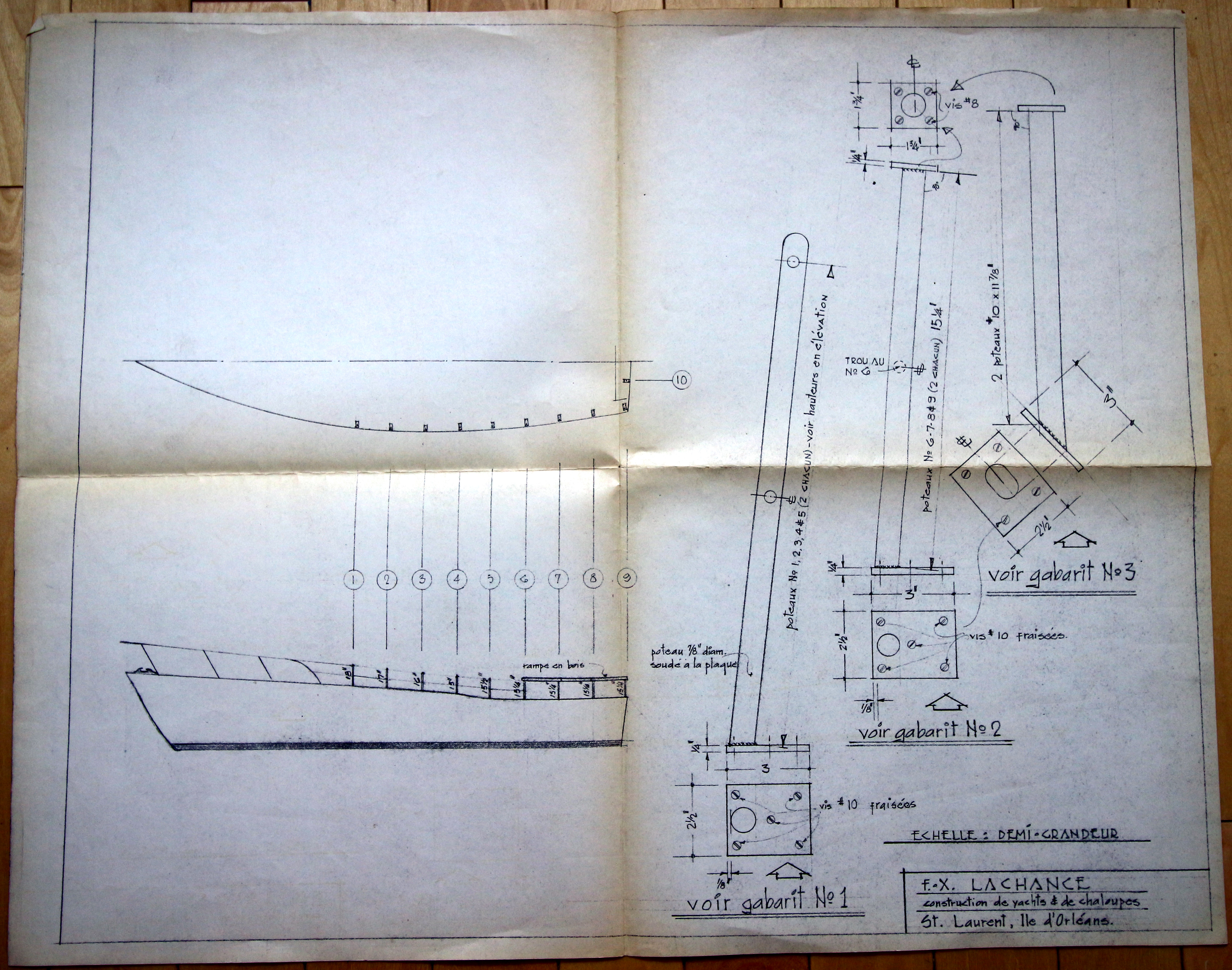 """Technical plan signed by F-X Lachance, on a """"half-size"""" scale, illustrating the section of a boat seen in profile, as well as three templates of pieces where will be fixed the eleven """"poles"""" which form the structure of the boat."""