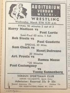 Publicité dans un journal dressant une liste de combats de lutte présentés à l'Auditorium de Verdun le mercredi 27 mars 1940 à 20 h 30. On y aperçoit les noms des lutteurs, la durée des combats, le lieu et le coût.