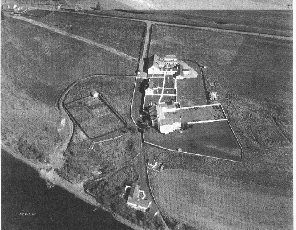 Black and white photo, aerial view of Domaine Anne Stillman.