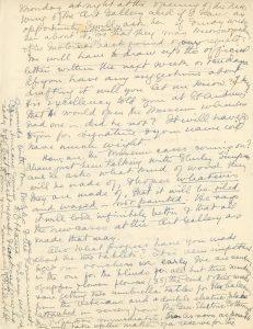 Lettre manuscrite de Maude Abbott à Mrs. Kuhring, 12 février 1939, encre noire et violette sur papier sépia. Elle lui parle des plans de demander au gouverneur général d'ouvrir officiellement la caserne militaire (abritant le musée) et lui demande des nouvelles sur l'avancement des caisses d'artéfacts et des tablettes pour le musée.