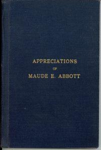 Page couverture d'un livre, il est bleu foncé avec l'inscription « Appreciations of Maude E. Abbott » au centre, en lettres dorées.