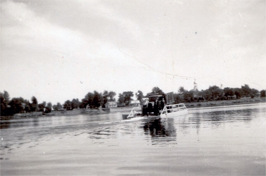 A ferry-barge at the island of boucherville circa 1935