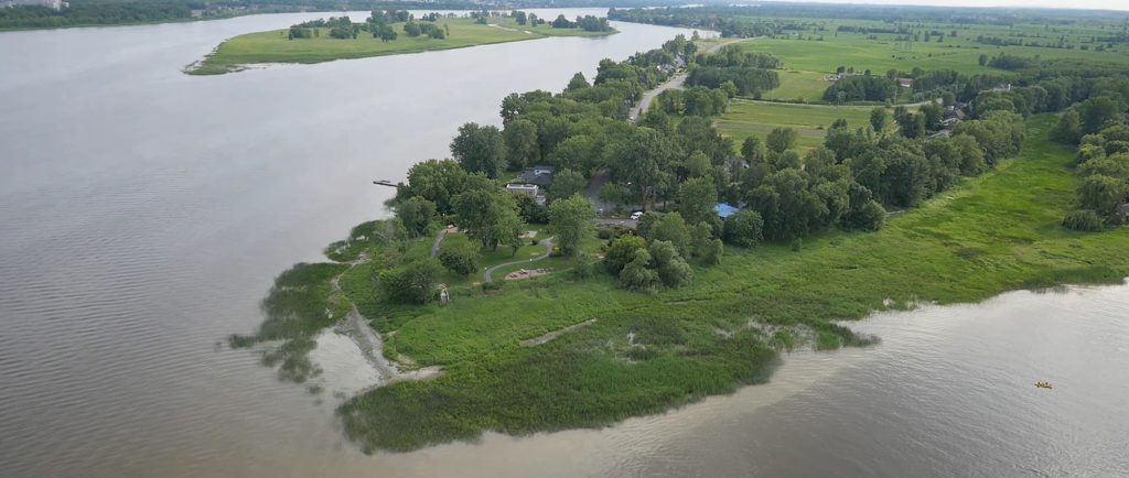 Colour aerial view of the eastern point of Île Jésus in summer. The Des Prairies River can be seen on the left and the Mille Îles River on the left. They meet at the bottom of the photo.