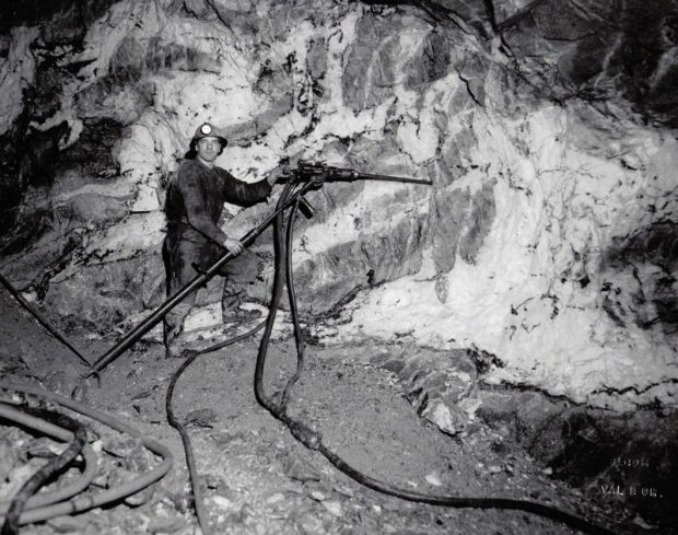 Miner using a Jackleg drill