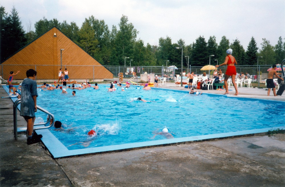 Picture of the campground pool in Malartic, c. 1970