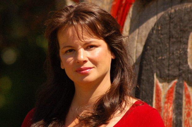 Portrait photo of a woman.