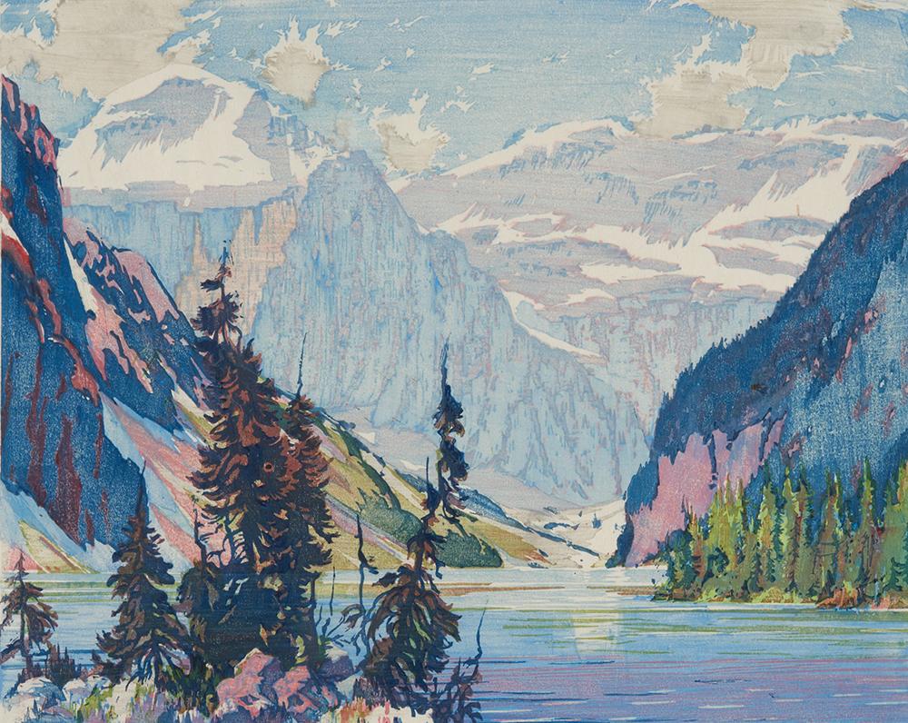 Estampe d'un lac dans une vallée en montagne avec des arbres et des rochers au premier plan.