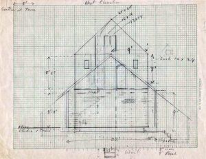 Croquis architectural sur papier quadrillé d'un haut bâtiment à toit en pointe avec notes et mesures.