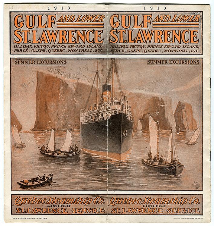 Cette brochure du Québec Steamship Co. est illustrée par une scène maritime. On aperçoit un navire à vapeur et quelque petite embarcation à voile en approche de la côte, au-devant du Rocher Percé.
