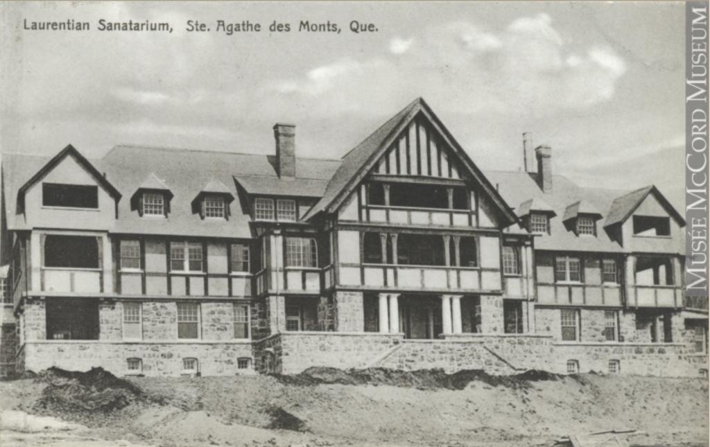 Vintage postcard showing the Laurentian Sanatorium in 1915.