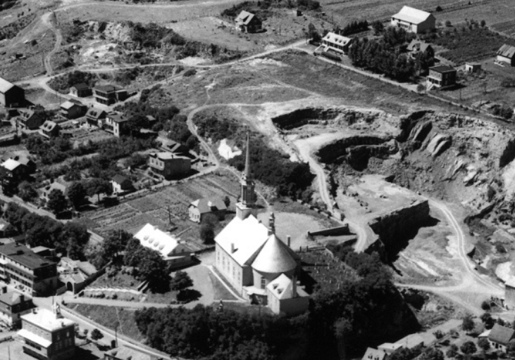 Aerial view of Château-Richer in the mid-20th century